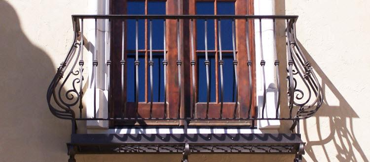 Mediterranean style iron railing for Juliet balcony.