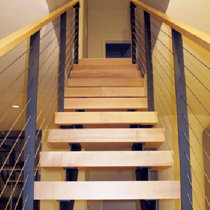 Narrow double stringer stairs