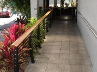 Cable railing entry ramp in Palm Harbor