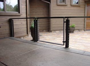 Gate with cable infill