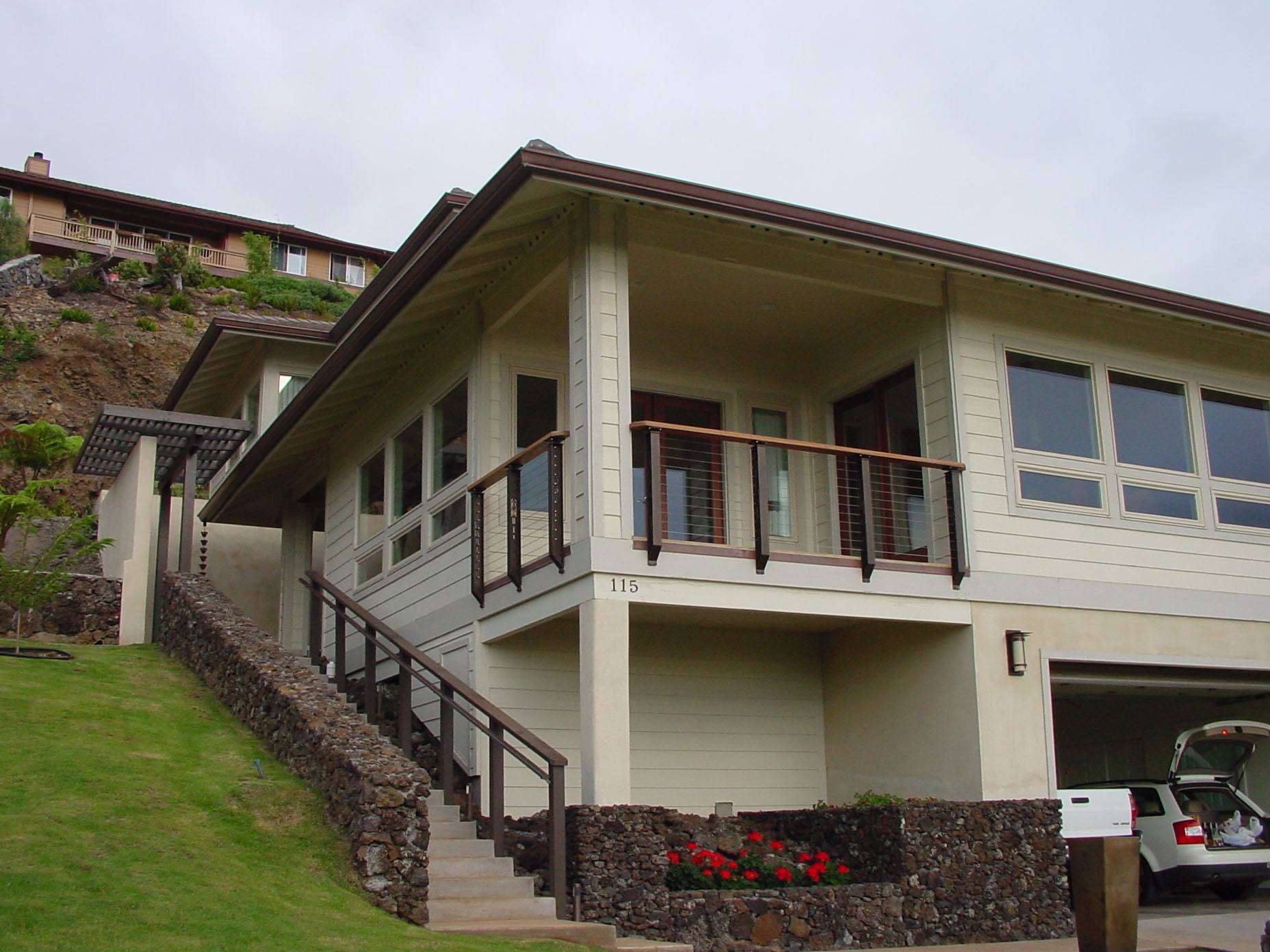 Craftsman Style cable railing on home in Hawaii
