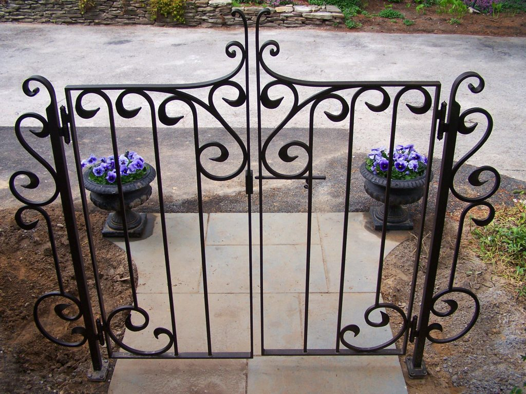 Iron scrolley gate
