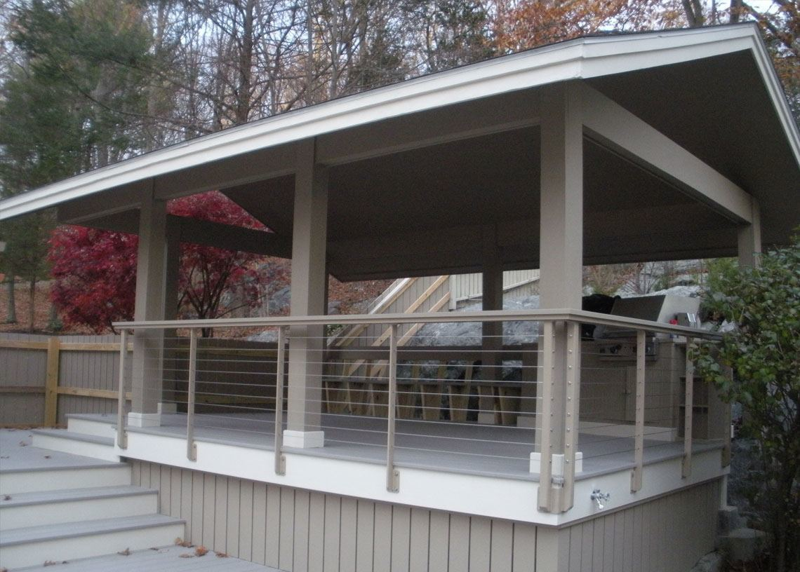 Keuka Cable Railing Around This Outdoor Kitchen Dining Area