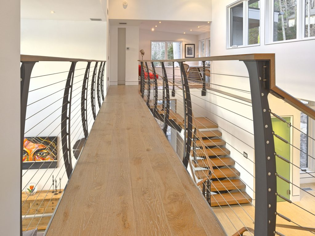 Oak catwalk with cable railings