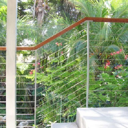 modern railing system made of aluminum railing on concrete porch