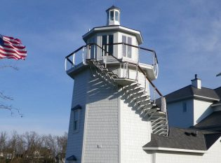 Light house cable railing