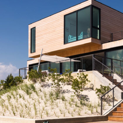 Beach house with Minimalist Modern Railings