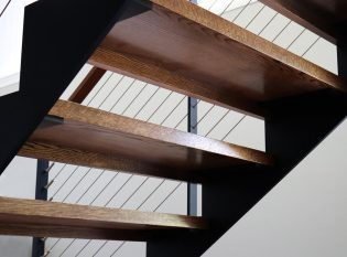 Wood tread floating staircase