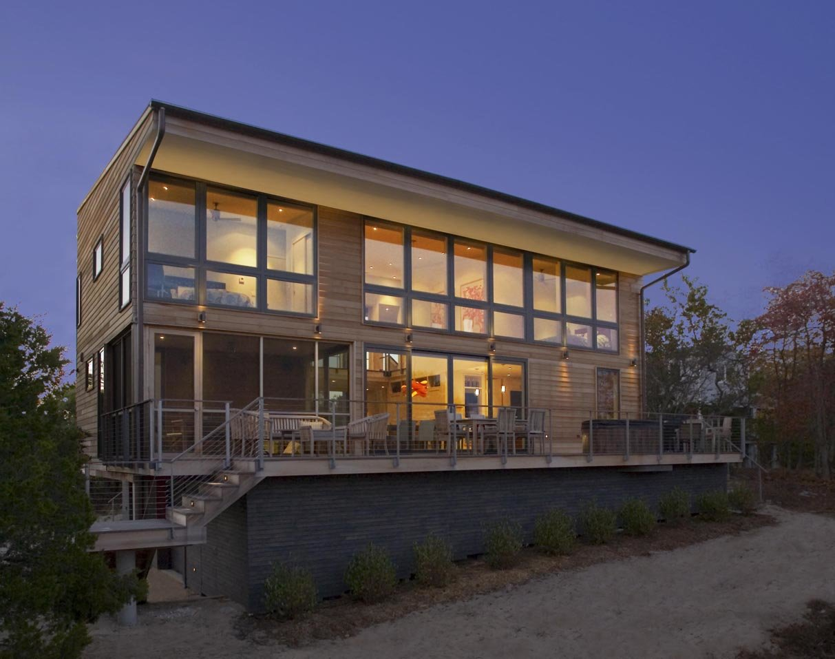 Modern Long Island home with exterior cable railing system.