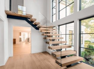 Transparent staircase railing
