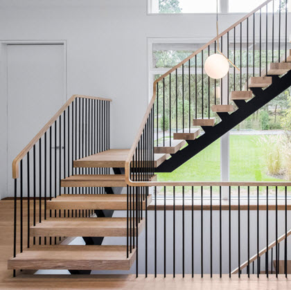 Steel Spindle Railing on Floating Stairs – Hamptons, NY
