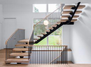 Mono-stringer-floating stair-rail