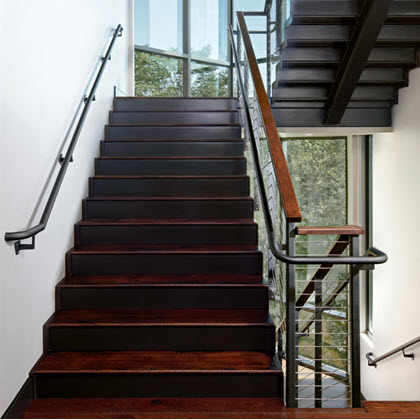 Handrail example transition along staircase