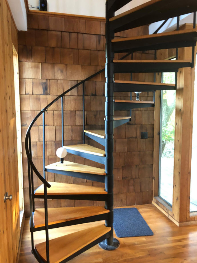ShakysSpiral stair with winder treads.